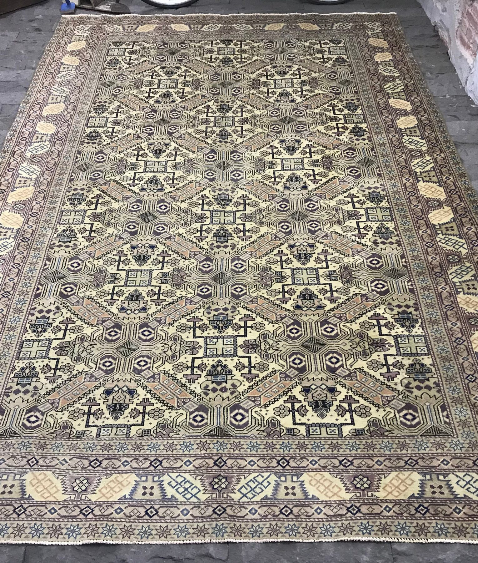 Unique Vintage Ushak Rug 7 3x10 9ft Purple Turkish Handwoven One Of A Kind Faded Beige Oushak Interior Design Free Shipping