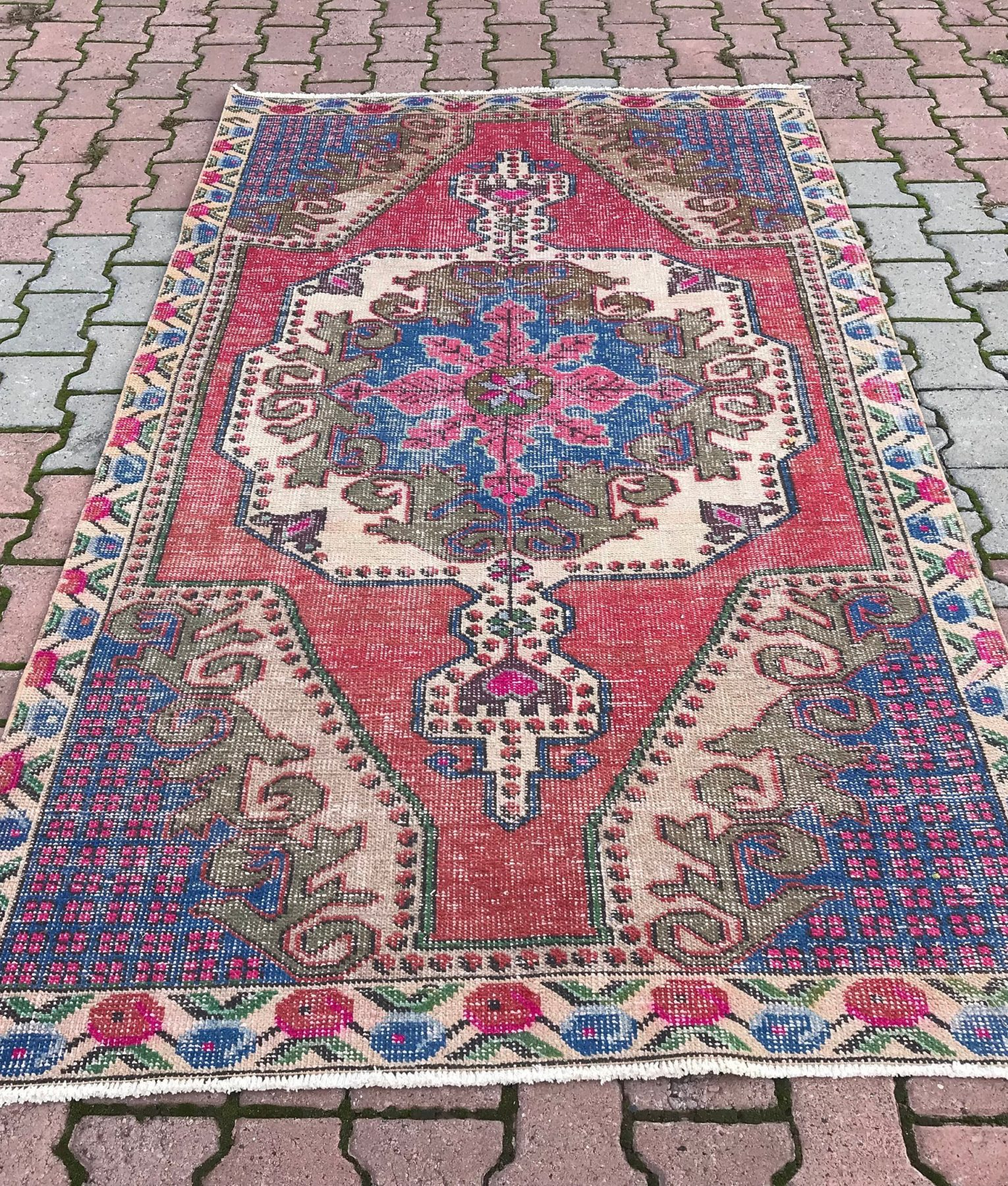 Vintage Turkish Handwoven 4.4x7.6 Ft Oushak Rug Wool Low Pile Oushak Rug  Handknotted Anatolian Runner Rug Decorative Kitchen Rug Faded Rug